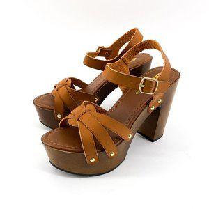 Chunky Heel Platform Studded Sandal in Cognac Size